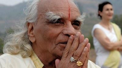 Iyengar - il maestro di yoga